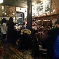 Foto tomada en Lenox Coffee por Svetlana I. el 12/16/2012
