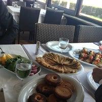 3/13/2013 tarihinde Muhammedziyaretçi tarafından Hanımeli Balık Restaurant'de çekilen fotoğraf