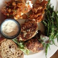 5/18/2013 tarihinde Meg S.ziyaretçi tarafından Cafe Route'de çekilen fotoğraf
