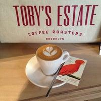 Photo prise au Toby's Estate Coffee par Sooa le12/5/2014
