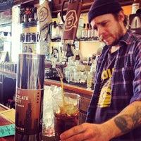 Foto tirada no(a) Dark Matter Coffee (Star Lounge Coffee Bar) por Daniela B. em 3/31/2013