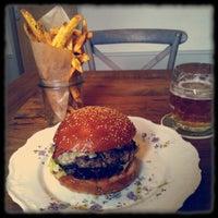 2/4/2013にMarcel B.がDish – Fine Burger Bistroで撮った写真