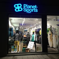 Foto scattata a Planet Sports Flagshipstore da sam il 2/23/2013