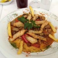 รูปภาพถ่ายที่ Yelken Restaurant โดย Ayşe D. เมื่อ 2/20/2013