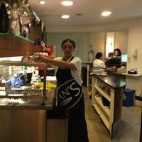 c99a4637eac ... Foto tirada no(a) Fran amp  39 s Café por Hubert A ...
