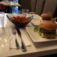 Foto tirada no(a) Umami Burger por Malva em 9/29/2018