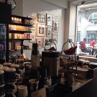 5/25/2014 tarihinde M.eveziyaretçi tarafından SIS. Deli + Café'de çekilen fotoğraf