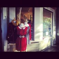 Photo prise au Sloan Boutique par Alia R. le10/5/2012