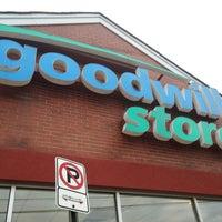 Foto diambil di Goodwill Store oleh Travis S. pada 5/1/2014