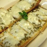 Foto scattata a Antonio's Pizzeria & Italian Restaurant da Antonio's Pizzeria & Italian Restaurant il 11/5/2013