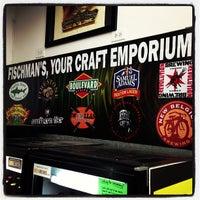 7/31/2013 tarihinde Fischman Liquors & Tavernziyaretçi tarafından Fischman Liquors & Tavern'de çekilen fotoğraf