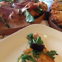 Foto tirada no(a) La Fabbrica -Pizza Bar- por Fany P. em 2/7/2014