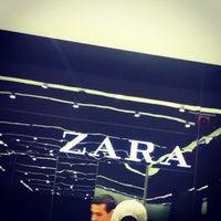 4c527592fc6 ... Foto tirada no(a) Zara por Victor em 11 3 2012 ...