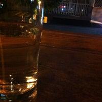 Das Foto wurde bei Homey's Café von Moon am 3/8/2013 aufgenommen