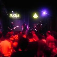 Foto diambil di Rudis Bar oleh cenk A. pada 5/9/2013