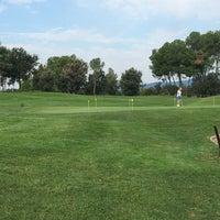 Das Foto wurde bei Real Club de Golf El Prat von Andres B. am 9/25/2017 aufgenommen