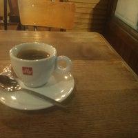 Foto tomada en Café Walvis por Christiaan K. el 10/13/2018