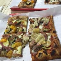 Foto scattata a Mamma Mia Pizza & FastGood da Štefan C. il 6/16/2019