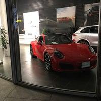 1/28/2017 tarihinde えこちゃんziyaretçi tarafından Porsche Center Ginza / ポルシェセンター銀座'de çekilen fotoğraf