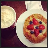 1/16/2013 tarihinde Ulia ?.ziyaretçi tarafından Starbucks'de çekilen fotoğraf