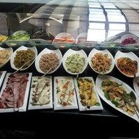12/30/2012 tarihinde Sami C.ziyaretçi tarafından Aqua Restaurant'de çekilen fotoğraf