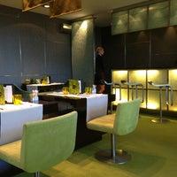 5/17/2013 tarihinde Aleks V.ziyaretçi tarafından Hotel Arts Ritz Club Lounge'de çekilen fotoğraf