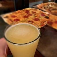 รูปภาพถ่ายที่ Cornerstone - Artisanal Pizza & Craft Beer โดย Michael T. เมื่อ 8/9/2020
