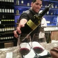 Foto tirada no(a) Girard Winery Tasting Room por Georgia H. em 11/18/2012