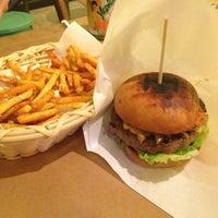 2/27/2013 tarihinde Barış C.ziyaretçi tarafından Biber Burger'de çekilen fotoğraf