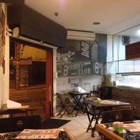 Foto tirada no(a) Burger's Club por Carlos Eduardo em 4/16/2016