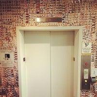 รูปภาพถ่ายที่ Good Hotel โดย Sam S. เมื่อ 12/13/2012
