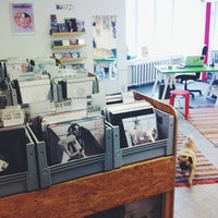 Photo prise au Biit Me Record Store / Oü Biitmii par Biit Me Record Store / Oü Biitmii le10/16/2013
