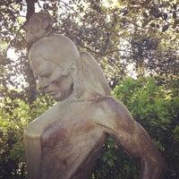 รูปภาพถ่ายที่ Jardins de Joan Brossa โดย Anya เมื่อ 5/3/2013