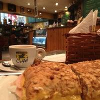 Foto tirada no(a) Armazém do Café por Aline G. em 3/21/2013