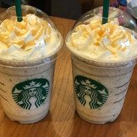 Foto tomada en Starbucks por MASAMI el 9/16/2017
