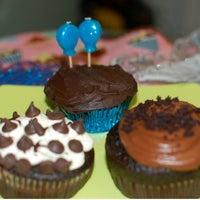 Das Foto wurde bei One Cup Two Cupcakes von onecuptwocupcakes am 9/24/2012 aufgenommen