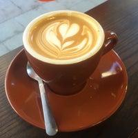 Das Foto wurde bei Filter Coffeehouse & Espresso Bar von Aaron am 3/6/2015 aufgenommen