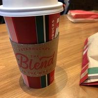 Das Foto wurde bei Starbucks von Sergey I. am 11/3/2018 aufgenommen
