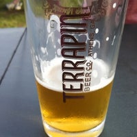 Foto tirada no(a) Terrapin Beer Co. por Josh-Mark R. em 6/22/2013