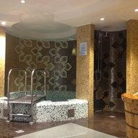 รูปภาพถ่ายที่ Сандуновские бани โดย Victor เมื่อ 1/13/2013
