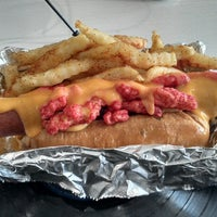 8/31/2013にJavo V.がDr. Frankfurter's Monstrous Hot Dogsで撮った写真