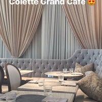 Photo prise au Colette Grand Café par Ariana V. le5/3/2017