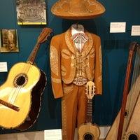 Photo prise au Musical Instrument Museum par Allie le12/23/2012