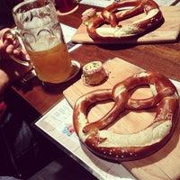 Foto scattata a Wurst Und Bier da Doug O. il 9/28/2012