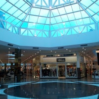 Foto tirada no(a) Shopping Neumarkt por Ian J. em 10/11/2012