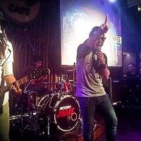 Photo prise au Hard Rock Cafe Jakarta par Krisna P. le10/23/2013