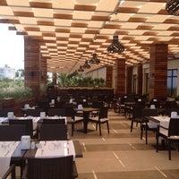 รูปภาพถ่ายที่ Vuni Palace Hotel โดย Nese เมื่อ 7/13/2013