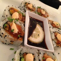 9/3/2013にSondra J.がYumm Thai : Sushi and Beyondで撮った写真