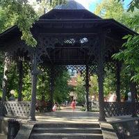 Foto scattata a Hermitage Garden da ol_ol . il 6/19/2013
