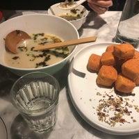 Foto tomada en Hao Noodle por Zhuo W. el 11/16/2018